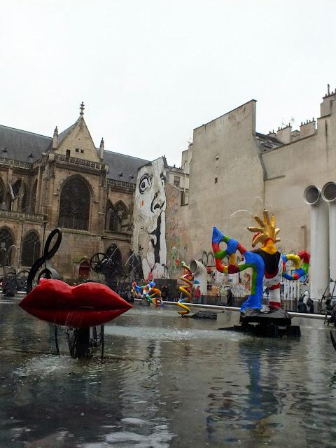fuente del centro pompidou parís