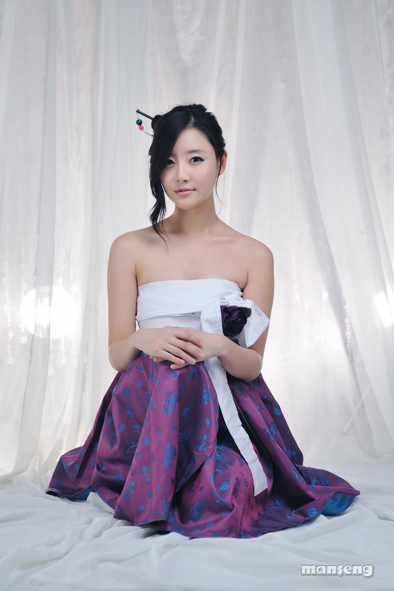 Choi Seul Ki, Hot Hanbok | Asia Cantik Blog