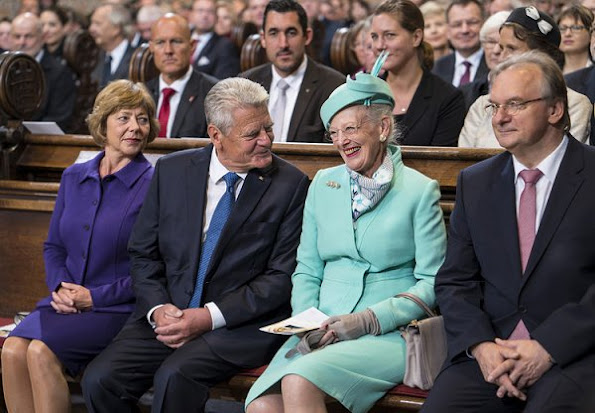 Gauck's partner Daniela Schadt, German President Joachim Gauck, Denmark's Queen Margrethe II., the Council chairman of the Evangelical Church in Germany,