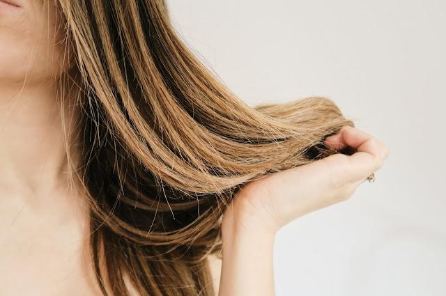 Olejowanie włosów - ajurweda, Indie