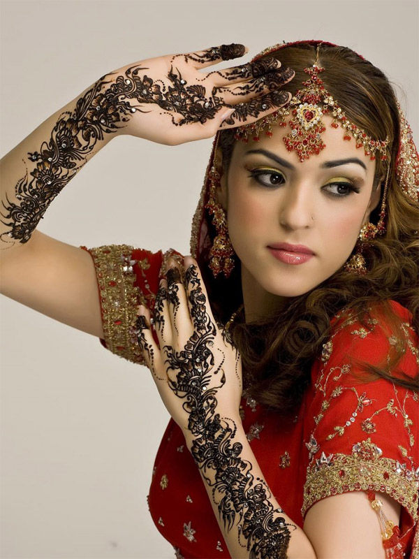 SECRETS OF BEAUTY: INDIAN MAKE-UP (IMAGES)