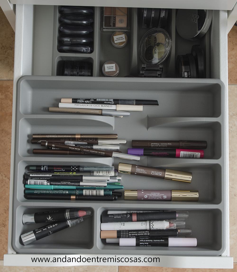 Organización de maquillaje 7