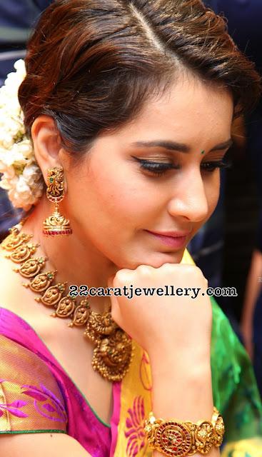 Raashi Khanna Nakshi Mango Necklace
