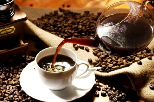Kávovo-kokosový peeling: Ako si ho vyrobiť doma