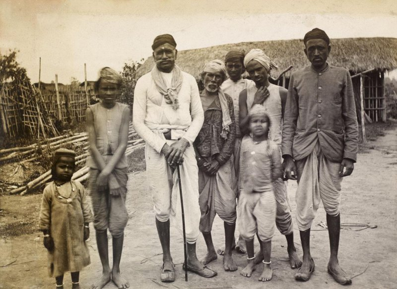 Group of People titled Kyahs Pathalipan - Date Unknown