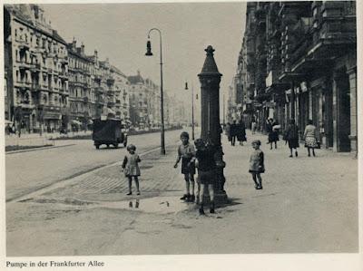 Street scene Berlin 1920s