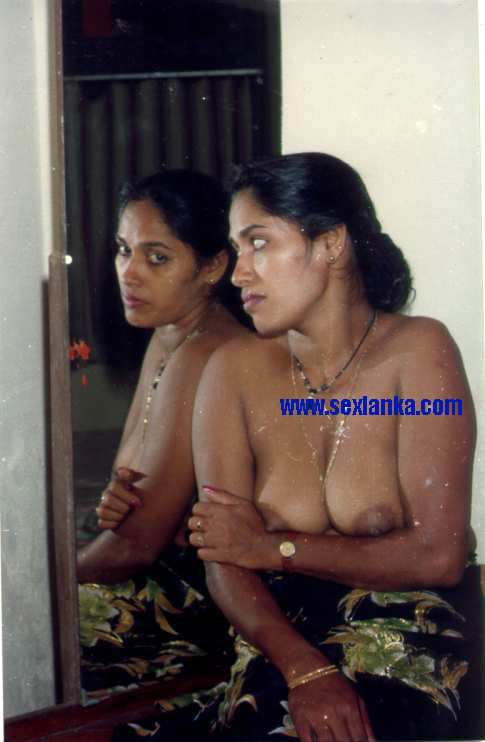 aunty bathing in open