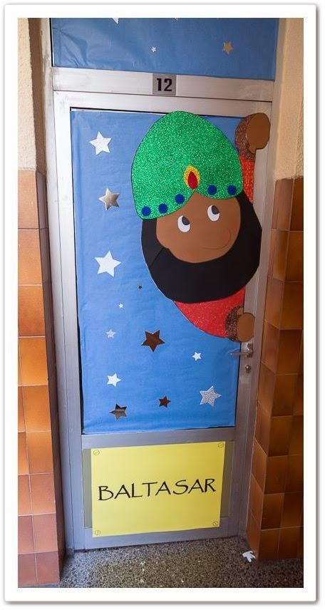 Manga por hombro puertas decoradas for Puertas decoradas arbol de navidad