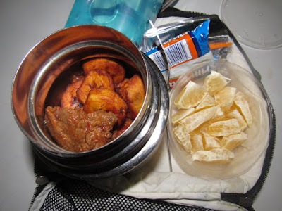dodo with stew served with a side of oranges