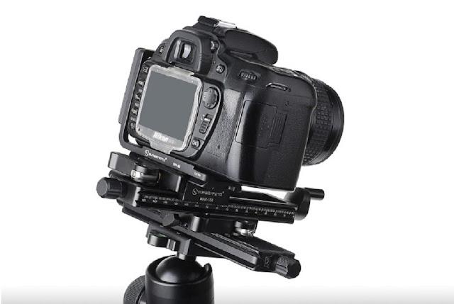 Nikon DSLR clamped on stacked Sunwayfoto MFR-150 units