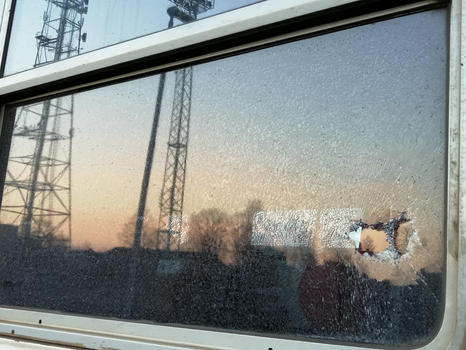 Izsists stikls pasažieru vilciena vagonā - 5
