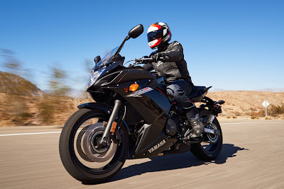 Upcoming Yamaha FZ6R on road image