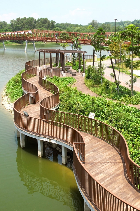 Punggol Waterway Park connects to Sungei Serangoon, where visitors can visit Lorong Halus Wetland (just cross the red bridge across Sungei Serangoon), and 1 km on, Coney Island Eastern Gate.