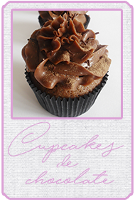 http://cukyscookies.blogspot.com.es/2013/06/a-falta-de-layer-cake-buenos-son.html