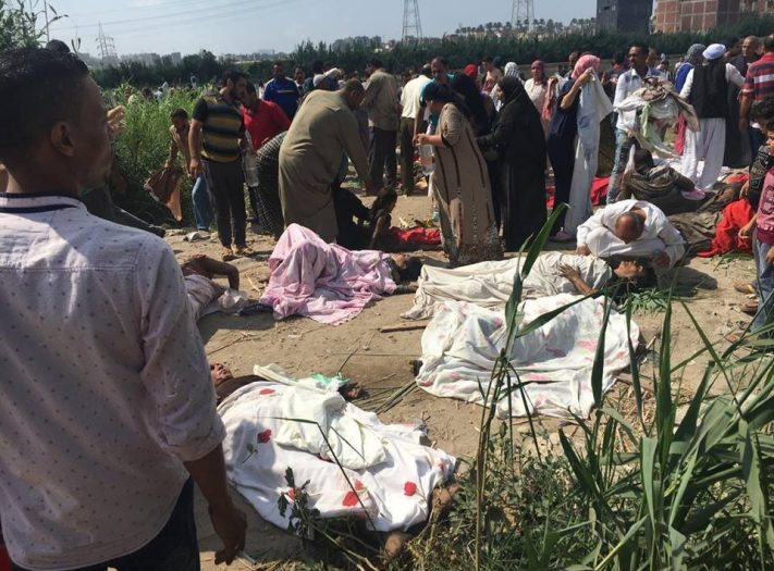 مصر .. ارتفاع قتلى تصادم قطارين إلى 36 قتيل وأزيد من 100 جريح