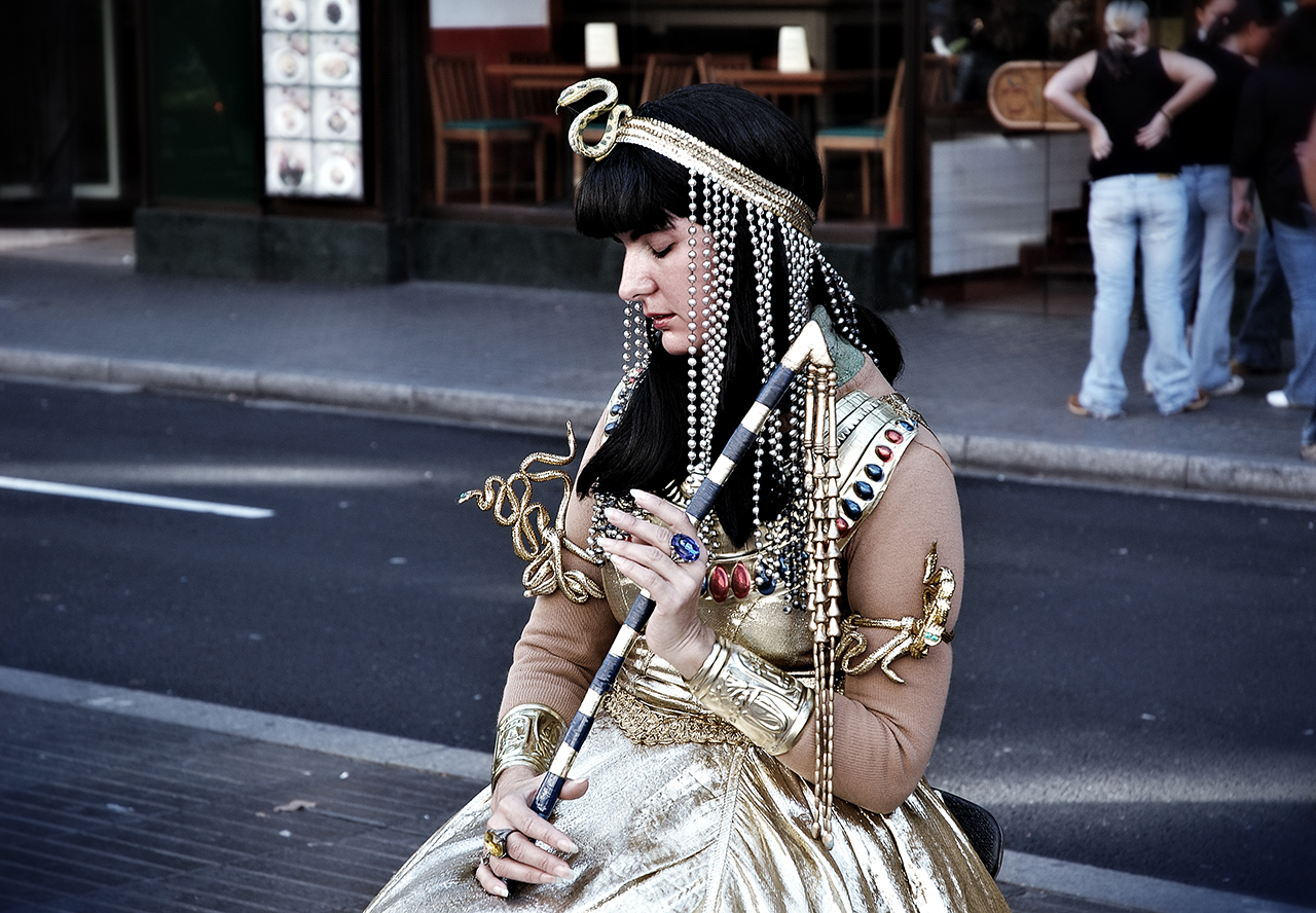 Cleopatra street artist and living statue in Las Ramblas, Barcelona