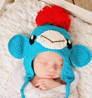 http://translate.google.es/translate?hl=es&sl=en&tl=es&u=http%3A%2F%2Fwww.jennyandteddy.com%2F2014%2F03%2Fnot-another-sock-monkey-crochet-hat-free-pattern%2F