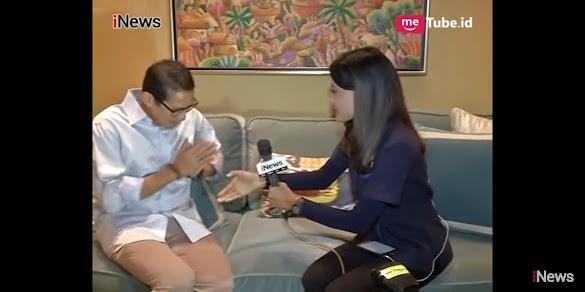 """Momen Bang Sandi Menolak Salaman """"Non-Muhrim"""" Saat Wawancara iNews TV"""