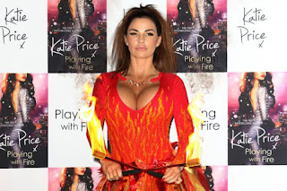 Extremely Hot Hollywood Celeb Katie Price Photo