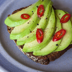 Avocado toast ili otvoreni sendvič sa avokadom
