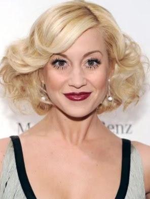 model gaya rambut mengembang wanita tahun 2009