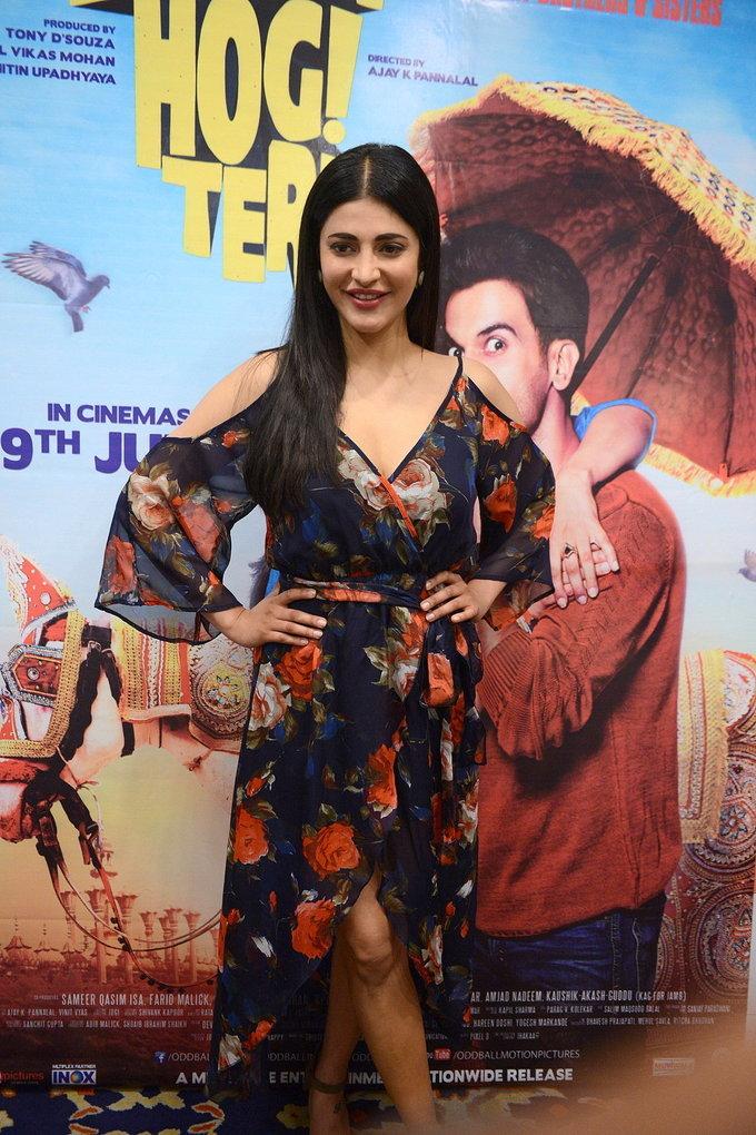 Shruti Haasan At Kapil Sharma Show New Movie Promotion In Blue Dress