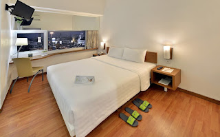 Kamar Whiz Hotel