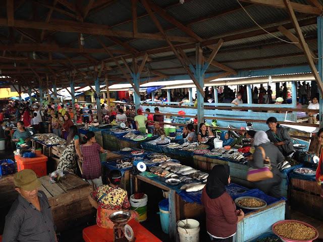 suasana pasar ikan Gudang Lelang Bandar Lampung