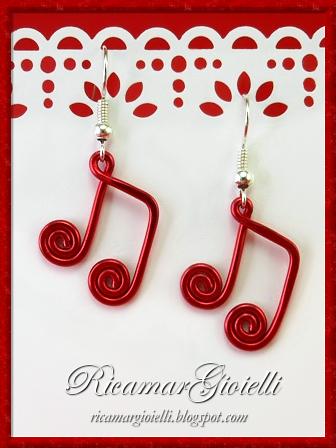 Orecchini in wire a forma di Chiave di Violino e Note