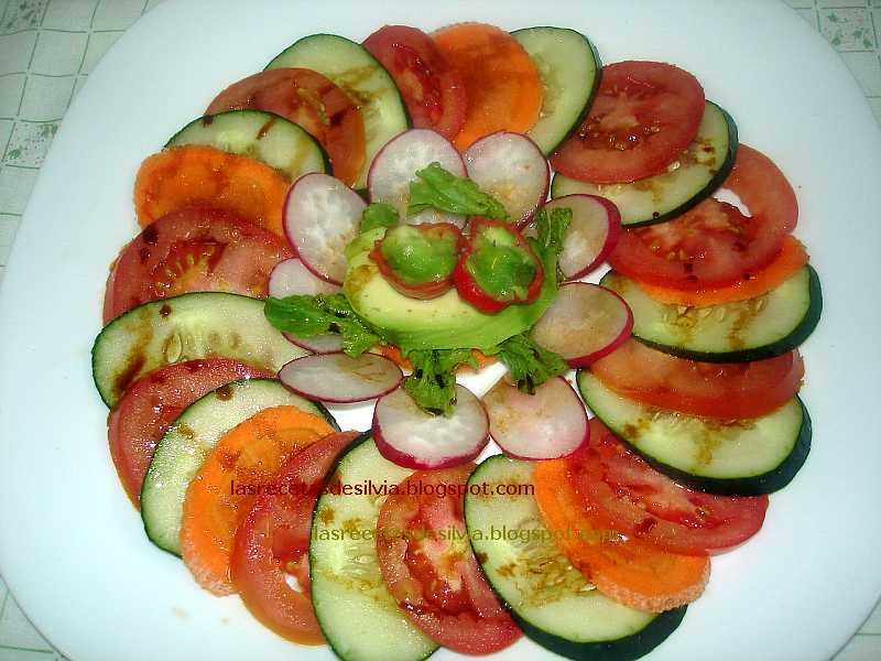 Las recetas de silvia ensaladas crudas con guindillas - Decoracion de ensaladas ...