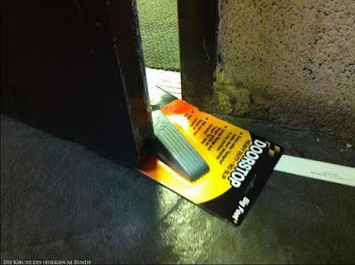 Witzige Bilder über Faulheit ungeöffnete Türstopper Verpackung lustig