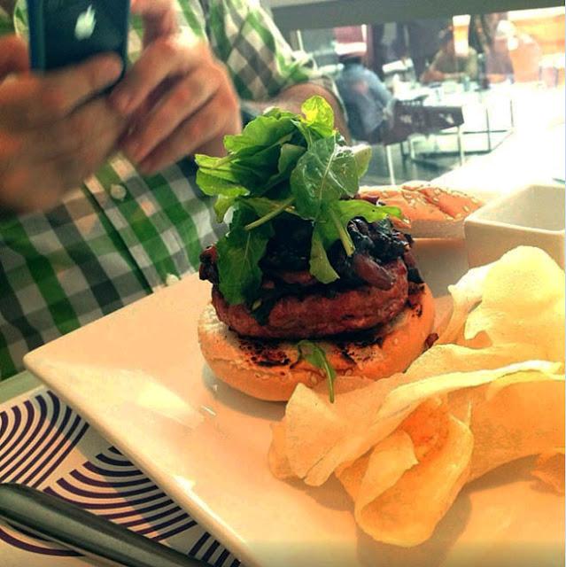 lola donde comer mejores hamburguesas en caracas