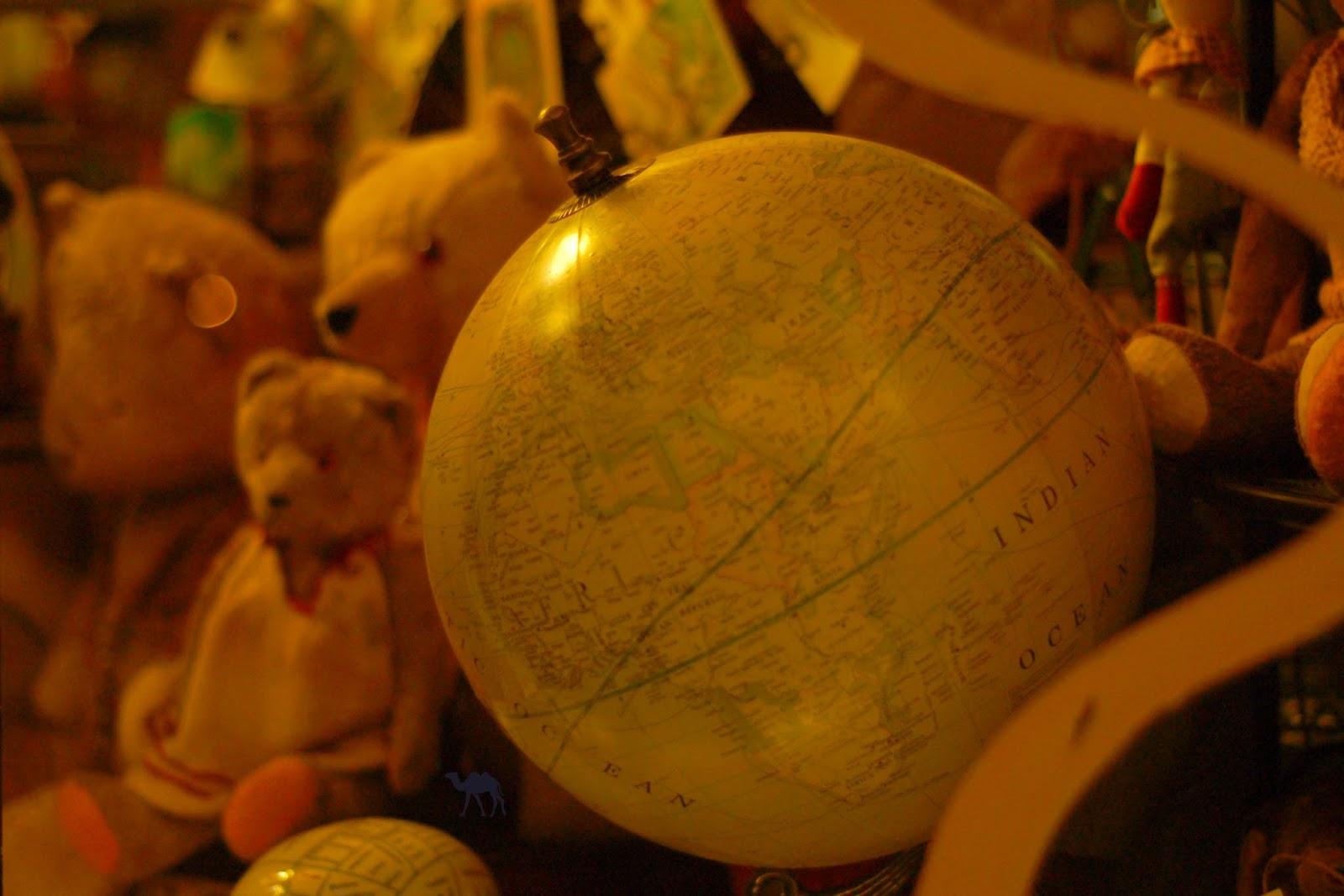 Le Chameau Bleu - Magasins de jouets anciens à Gand Belgique
