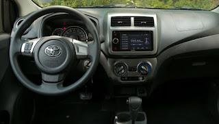 Khoang hành khách Toyota Wigo