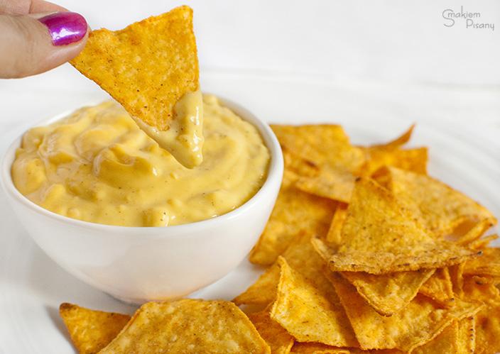 sos serowy do nachosów