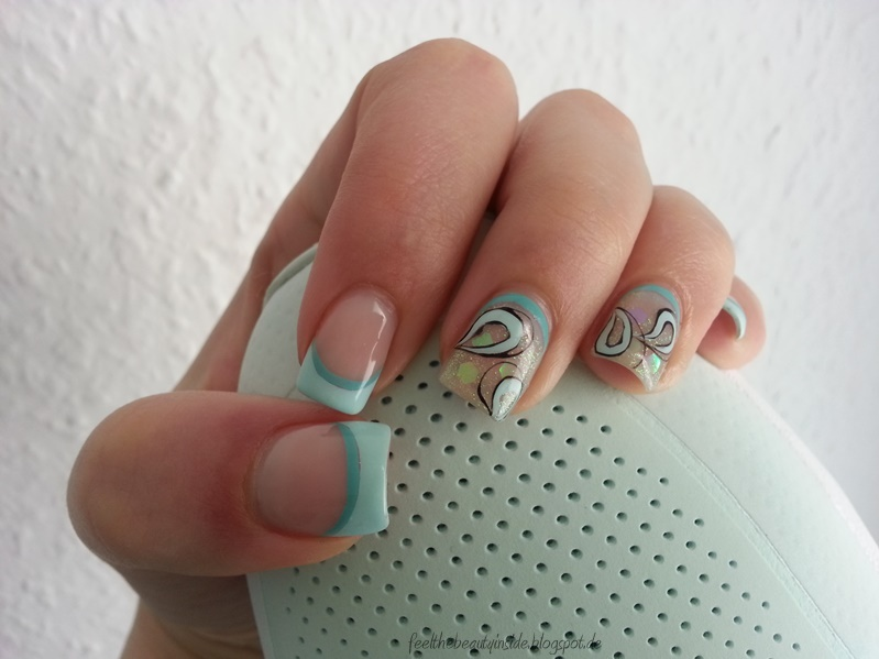 nageldesign french mit glitzer - Nageldesign by German Dream Nails
