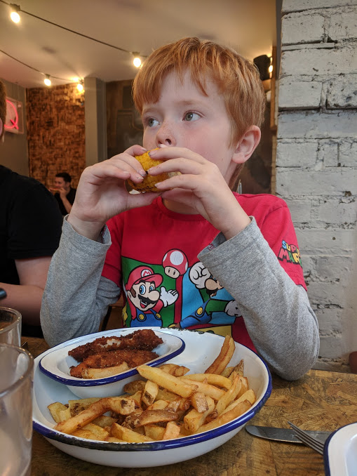 A Short Stay in Windsor with Kids  - blue grass windsor kids meal
