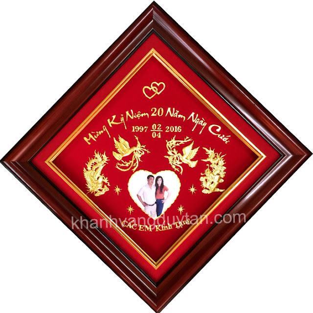 quà tặng kỷ niệm 20 năm ngày cưới