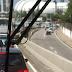 Pista local da rodovia BR -101 sul com retenção no sentido Tirol no acesso ao vd IV Centenário