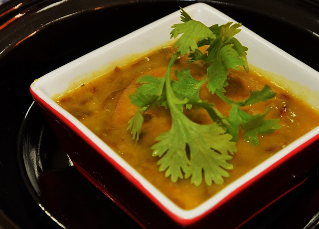 spinach dal with green mango