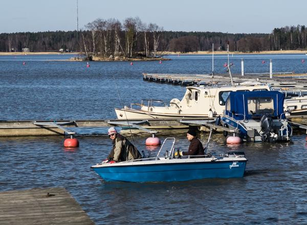 moottoriveneellä hamarin satama venepaikka laituripaikka porvoo