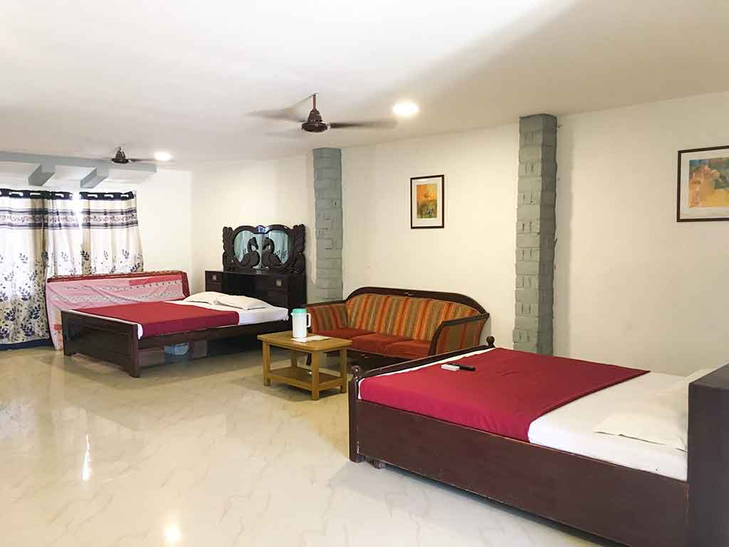 budget beach resorts in ecr for family