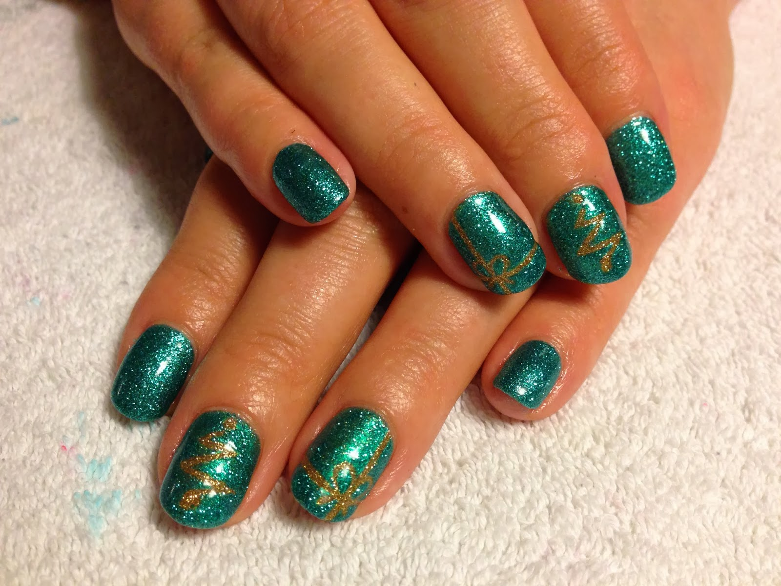 Cnd Shellac Christmas Nail Art 6 Turquoise Twinkle