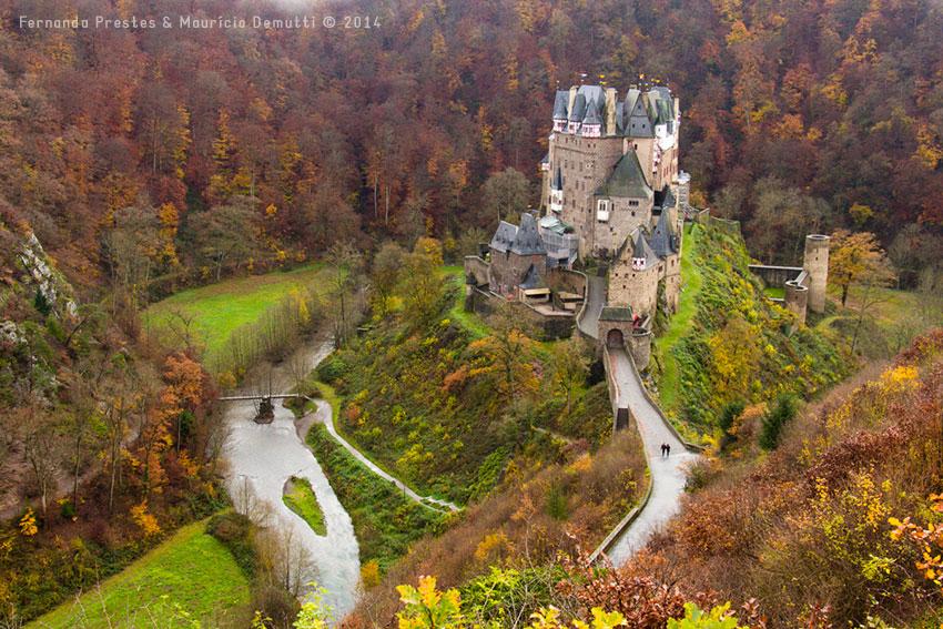 outono no castelo de burg-eltz