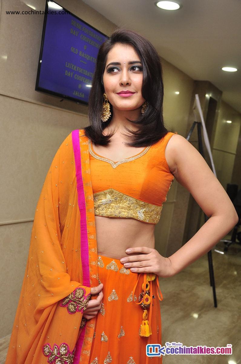 Rashi Khanna Sexy Photos | Navel Show