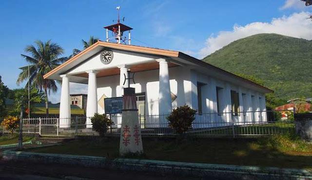 adalah salah satu pulau bersejarah di Indonesia yang terletak di Kepulauan Banda MENELUSURI TEMPAT BERSEJARAH DI BANDA NEIRA
