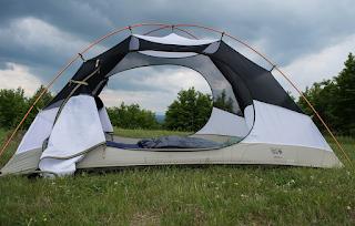 Perlengkapan mendaki gunung - dome atau tenda