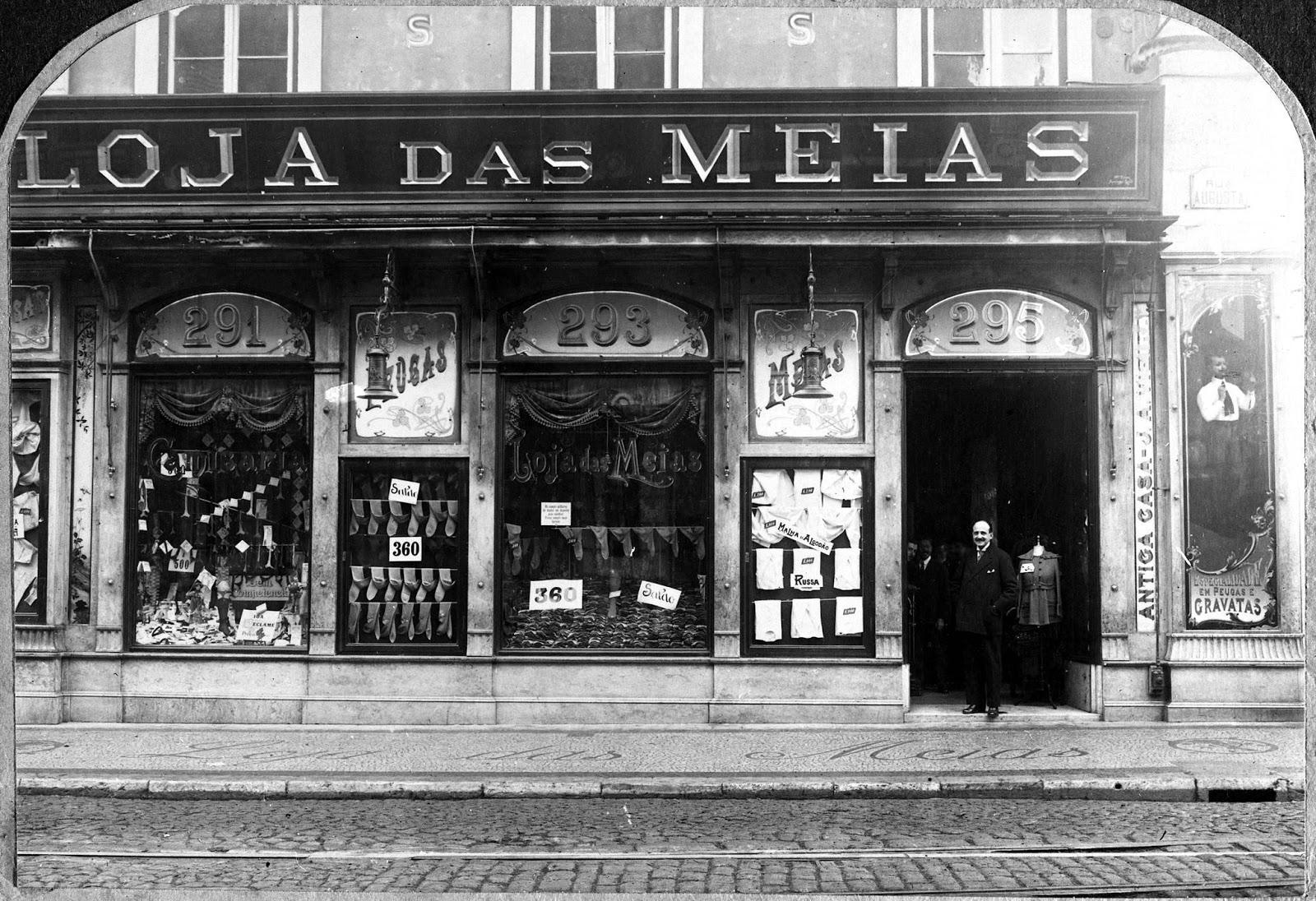 180788f72fe Lisboa de Antigamente  Loja das Meias