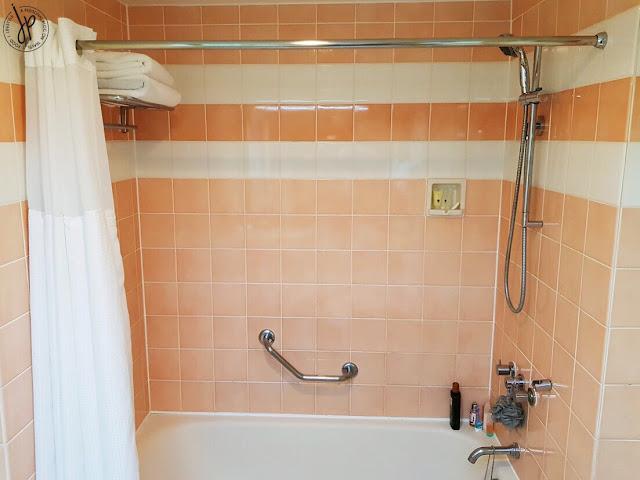 shower, shower curtain, bath towels