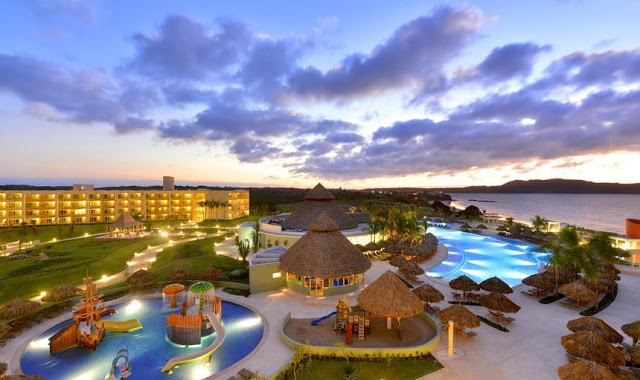 Iberostar Playa Mita, a 5-star Iberostar Selection hotel located near Punta de Mita, Riviera Nayarit, offers a relaxing and all-inclusive atmosphere complete with mouthwatering international dishes and endless activities for guests of all ages.